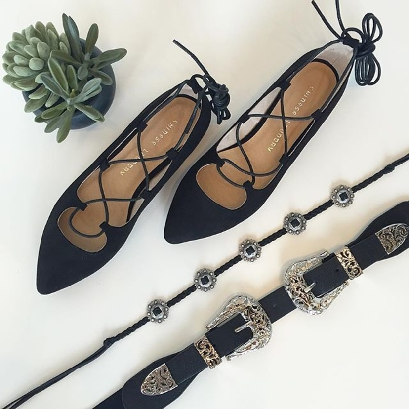 The perfect accessories : Endless Summer Flat $62 || Concho Choker $80 || Double Marfa Belt $24 #accessories #black #western #perfect #concho #flats #laceup #silver #marfa #belt #fashion #tapfortags