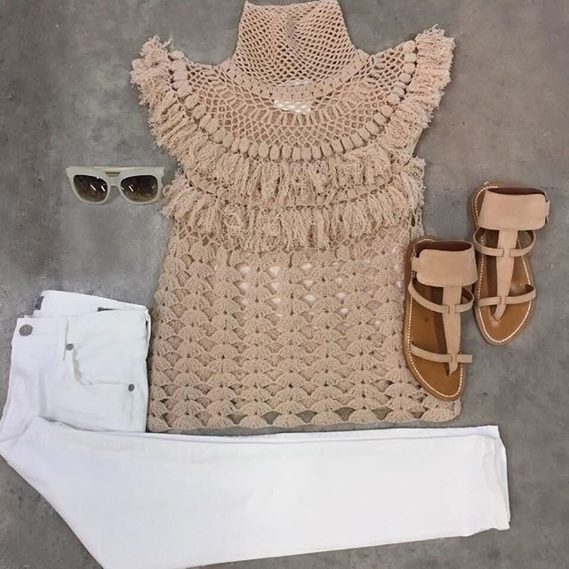 Spring into sweater weather! Tap the link in our bio to shop! #loveabejas . . . . . . .  sttropez #kjacques
