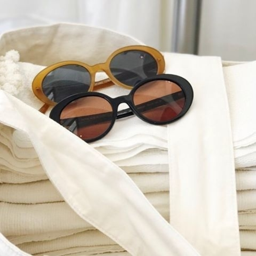 Statement sunnies  @amareesgirl @therow @oliverpeoples