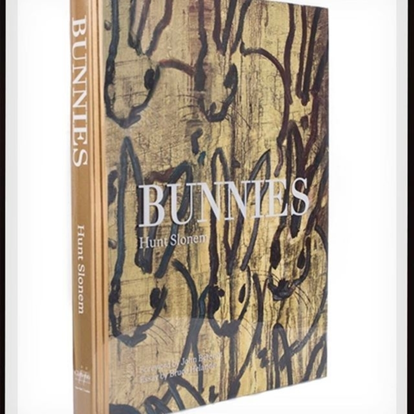 A most appropriate coffee table book for this weekend. Do you agree? We're big fans of @huntslonem and we love his book, BUNNIES. Hope everyone is having a fantastic Easter weekend! #bdjeffries