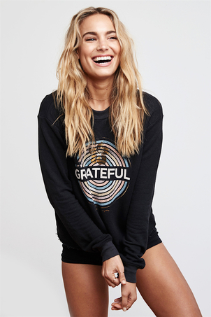 Spiritual Gangster Grateful Medallion Crop Sweatshirt Tops