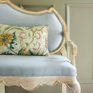 Vintage textiles and a Swedish bench Home decor